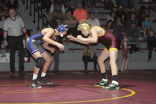 Spartan, Golddigger grapplers compete in triangular
