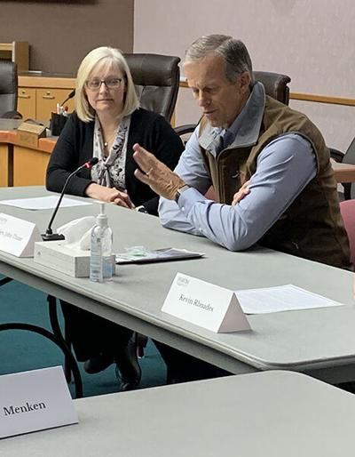 Thune meets with community leaders, visits vaccination clinics