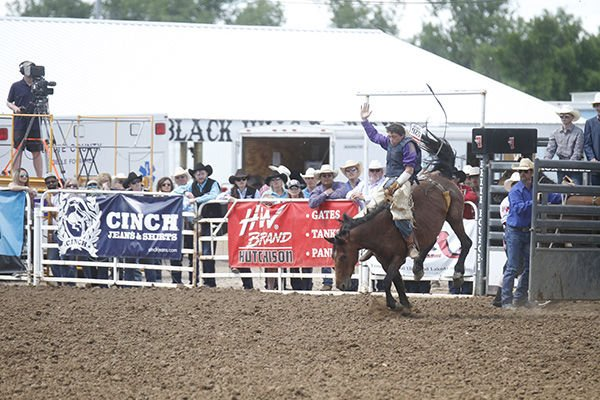 SD HS Rodeo Finals end