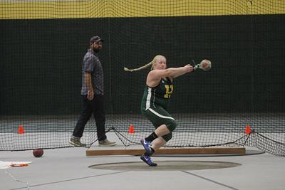 Yellow Jacket track teams go to Chadron
