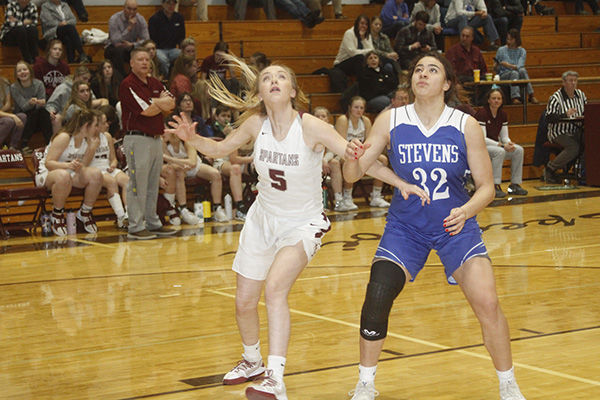 Spearfish girls drop home game to RC Stevens