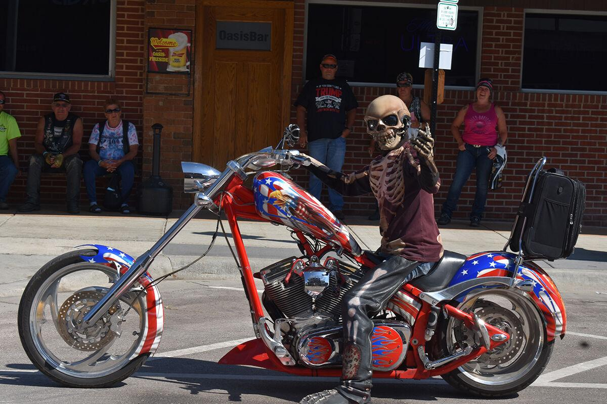 Sturgis Motorcycle Rally revs up this weekend with throngs