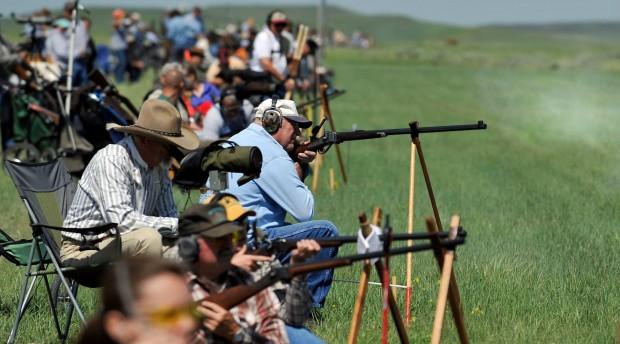 Buffalo gun enthusiasts line up