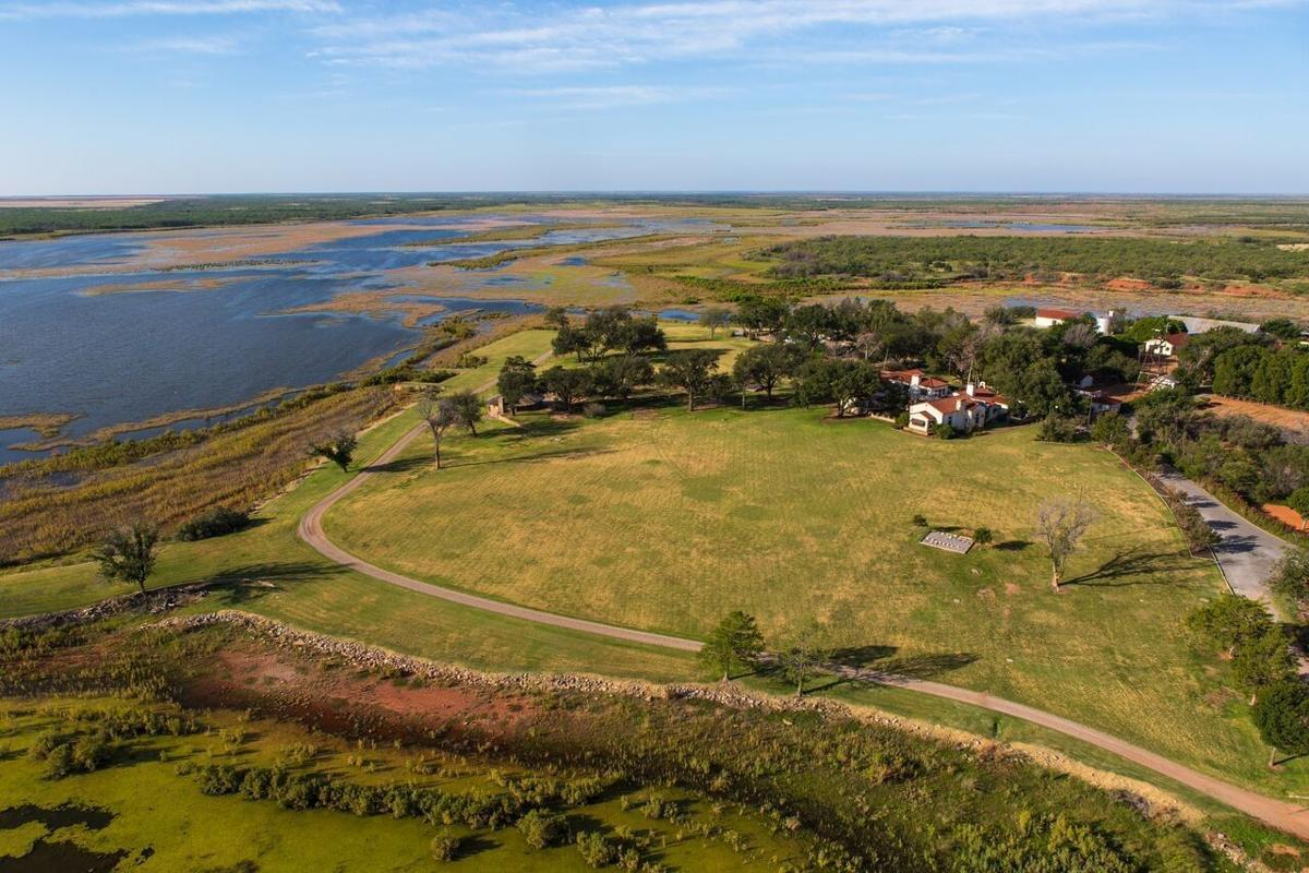 Sale of historic Texas ranch has Montana connections