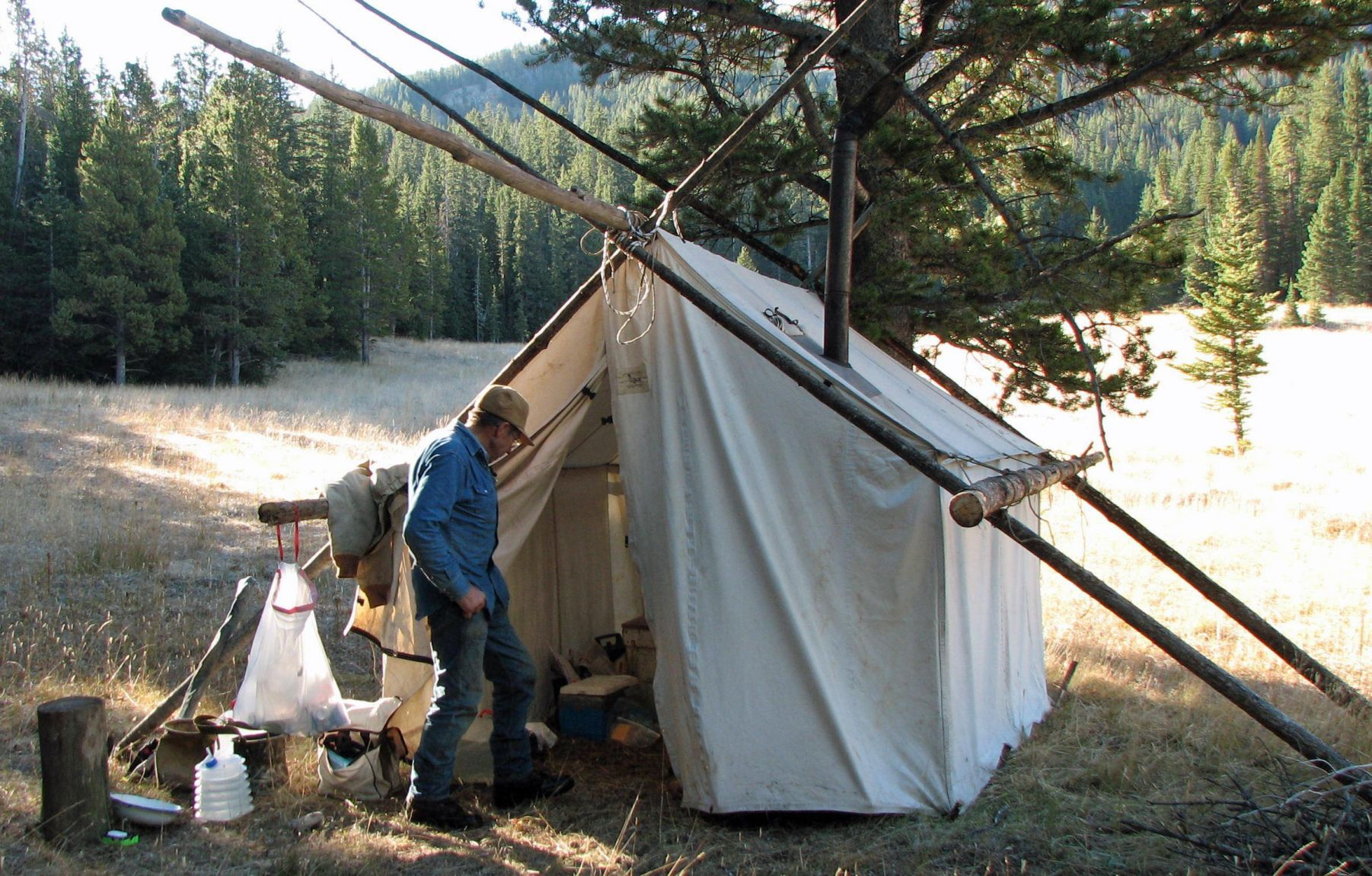 Canvas tents have allure thatu0027s expanded beyond hunting & Canvas tents have allure thatu0027s expanded beyond hunting   Outdoors ...