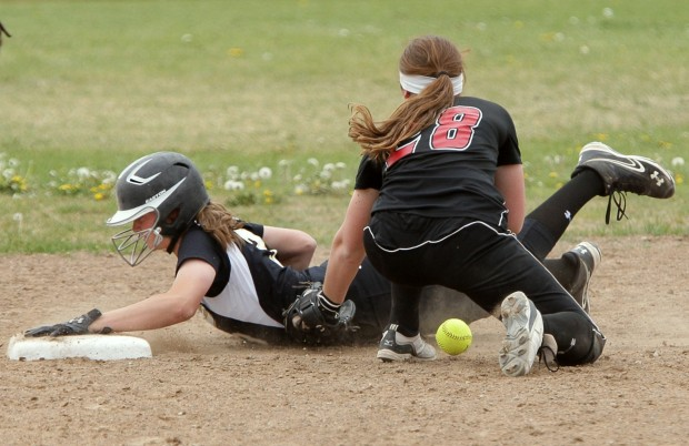 West's Rachael Dillon, 3, is safe at second