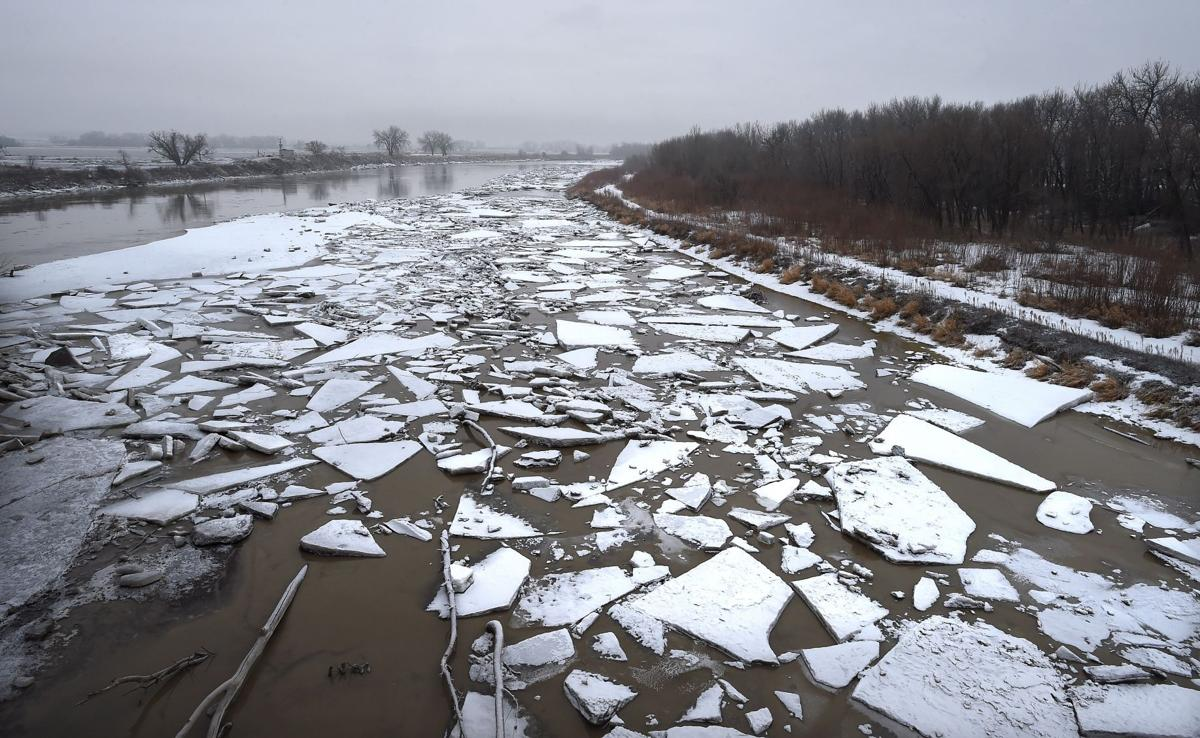 River ice begins to gather on Yellowstone River