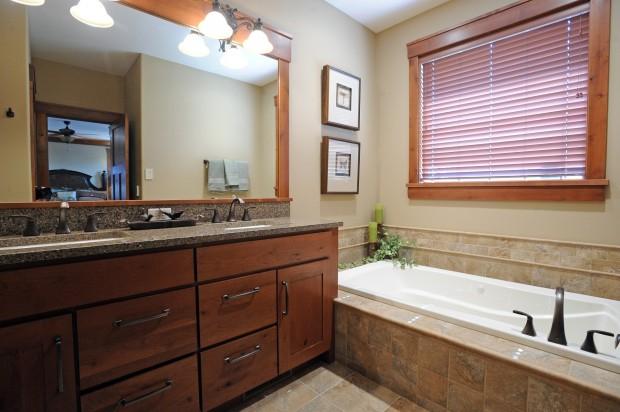 214 Feldspar Way - master bathroom