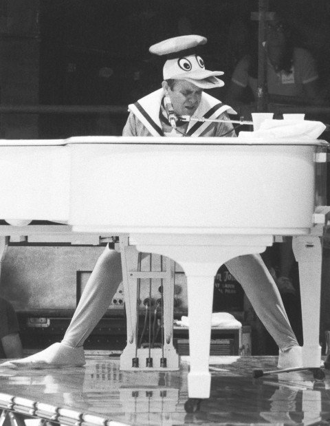 New York Elton John Donald Duck