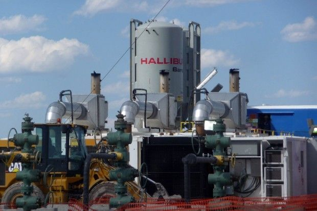 Halliburton performs hydraulic fracturing services