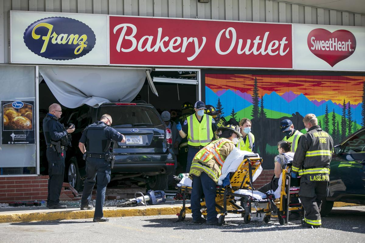 Vehicle crashes into Sweetheart outlet