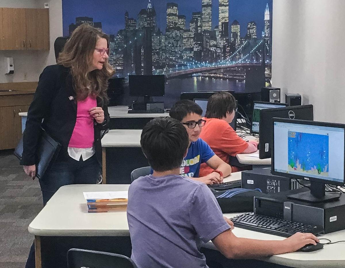 Arntzen visits Hellgate Elementary