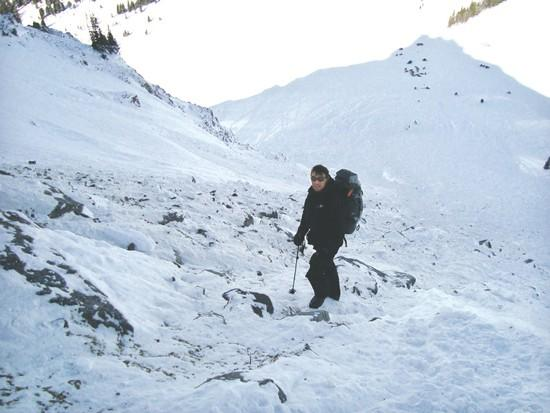 Avalanche aftermath strains county-rescuers relations