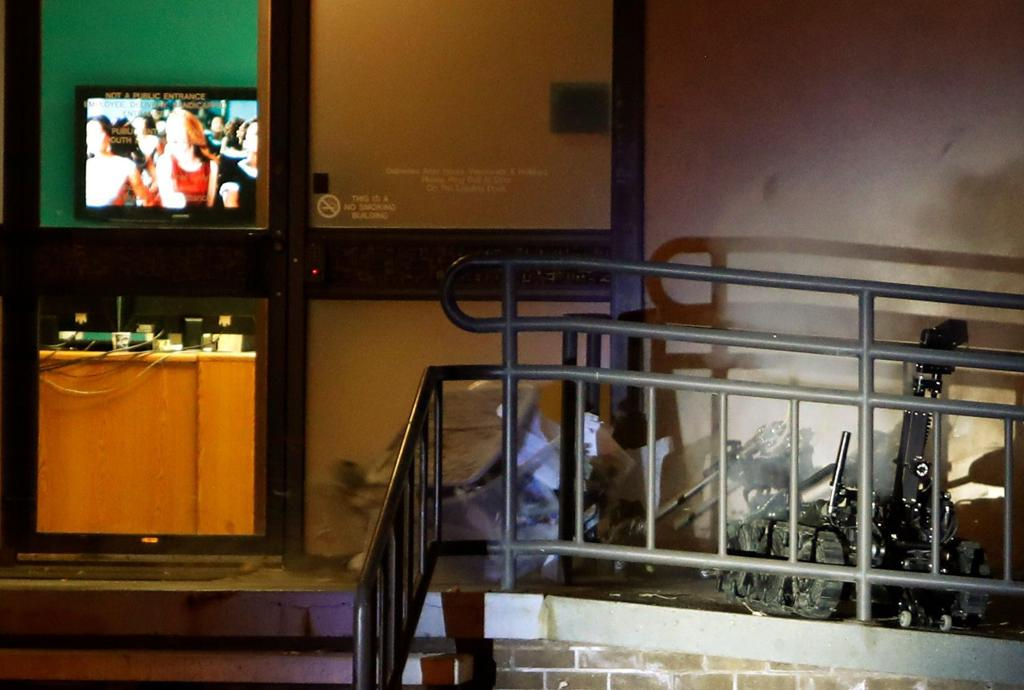 Bomb squad detonates 'hoax device' at KTVQ building in