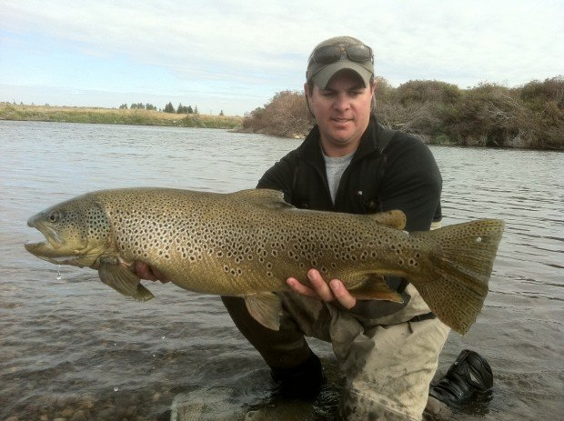 Survey of snake river near osgood idaho turns up whopper for Fish and game office near me