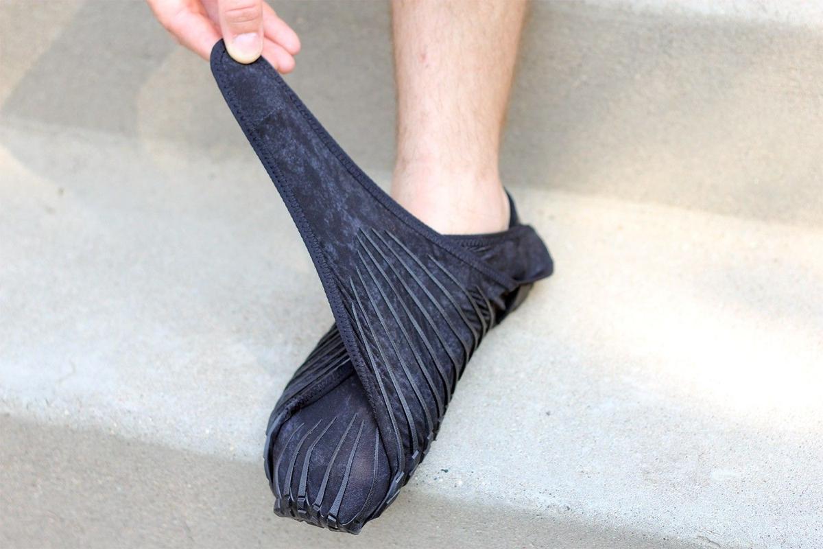 Gear Junkie Wrap Shoes On For A Minimalist Feel Outdoors Billingsgazette Com