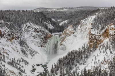 Spectacular Views Of Yellowstone National Park S Waterfalls