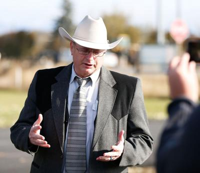 Sheriff Leo Dutton