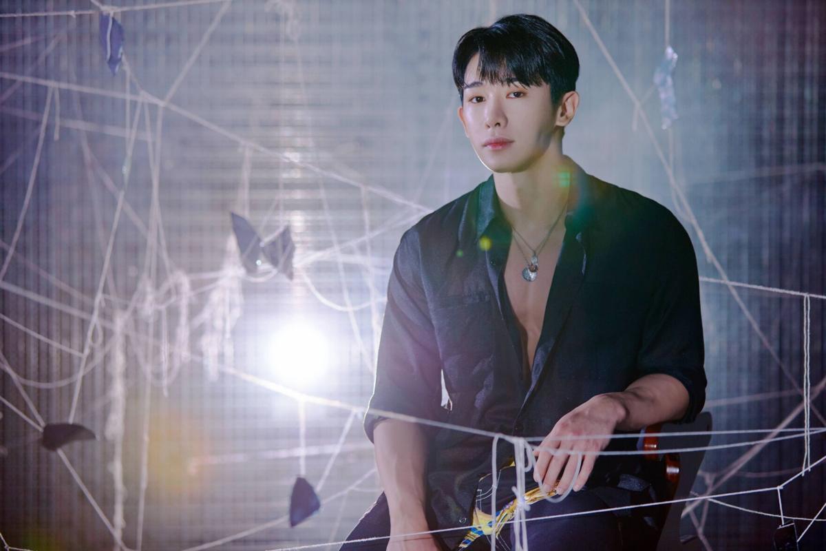 celebrity-travel-wonho-20200901