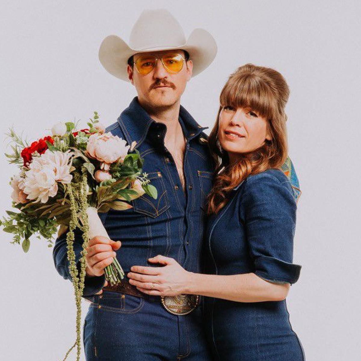Twang rocker Blake Berglund returns to Pub with wife Belle