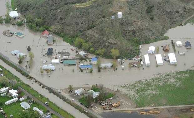 Huntley flooding