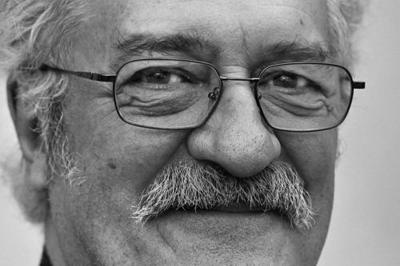 10 Things To Know About Ray Thomas, The Late Moody Blues Member