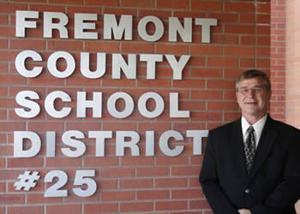 Riverton school trustees praise superintendent's response to radio interview