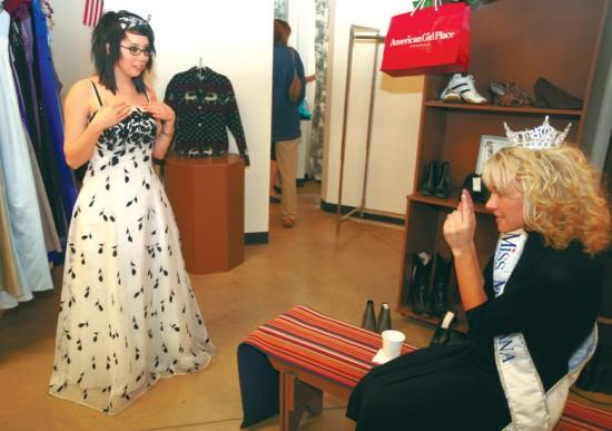 Teenagers find bargains on prom dresses | Local | billingsgazette.com