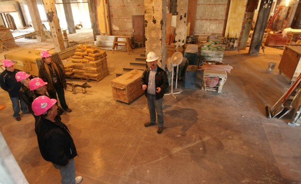 Mike Nelson gives a tour of the Northern Hotel