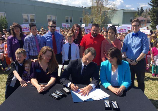 Bullock signs bill