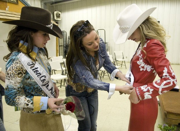 Sisters Earn Sashes As Rodeo Royalty Wyoming News
