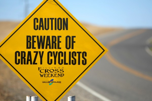 Cyclocross-A sign welcomes cyclists