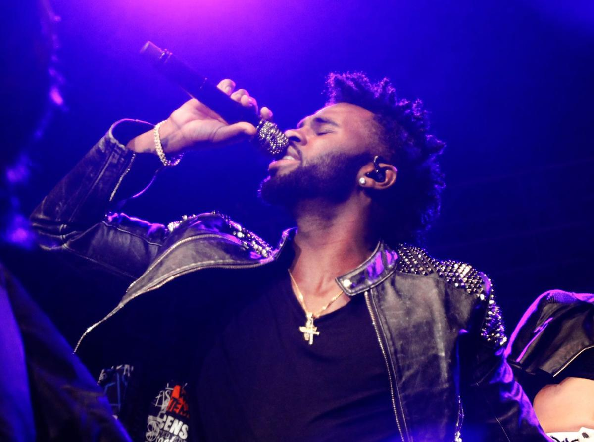 Jason Derulo plays hits for crowd on opening night of