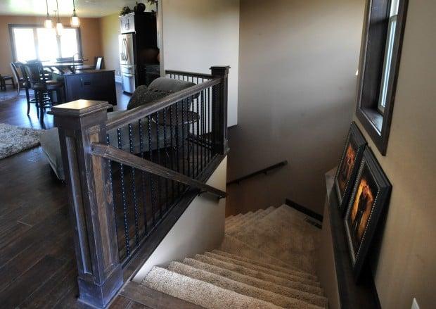 2730 Arrowhead Meadows Drive - staircase
