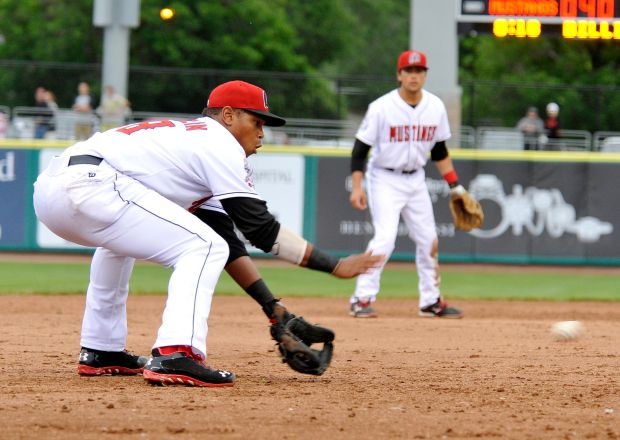 Mustangs's Franklin catches a ground ball