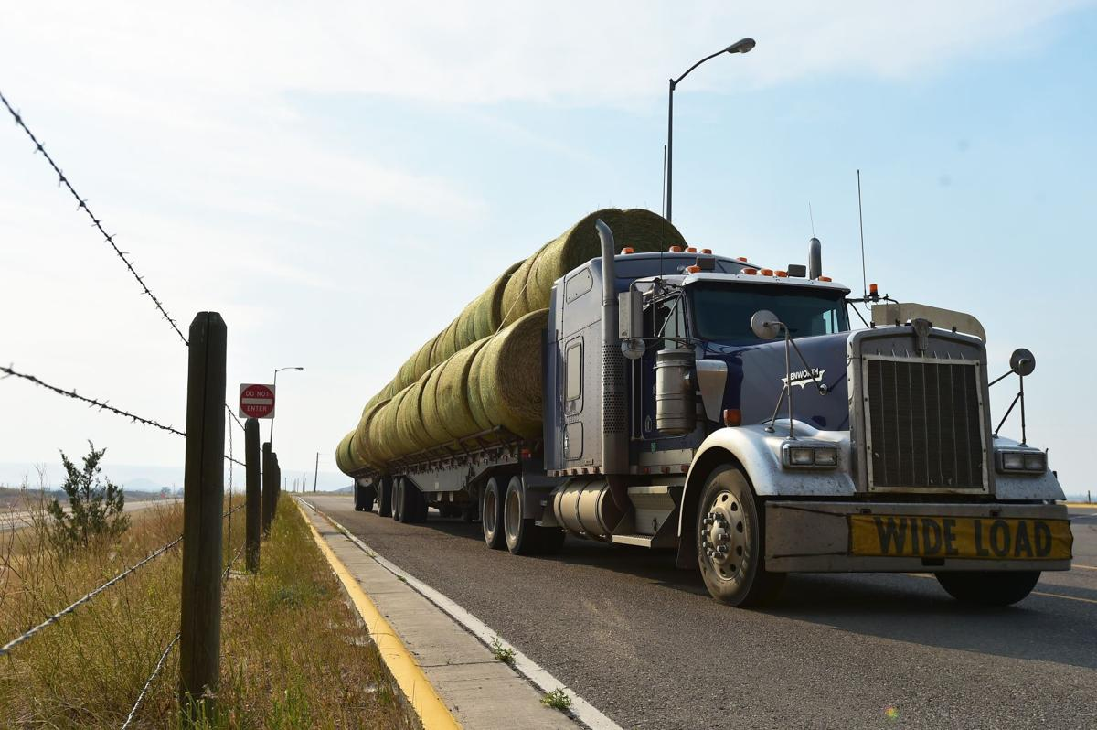 Hinnaland Trucking hay delivery