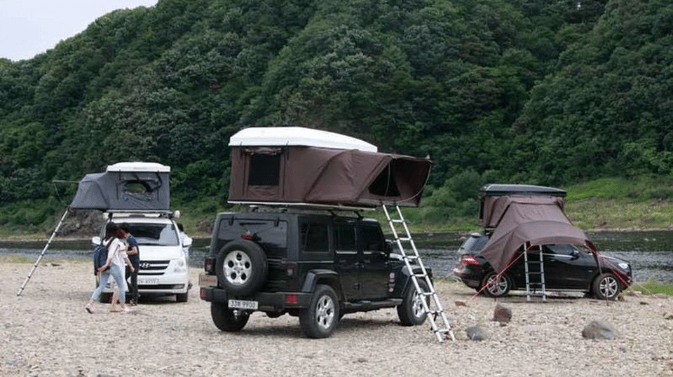 This Awesome Rooftop Tent Sits On Top Of Your Car : 4 man roof top tent - memphite.com
