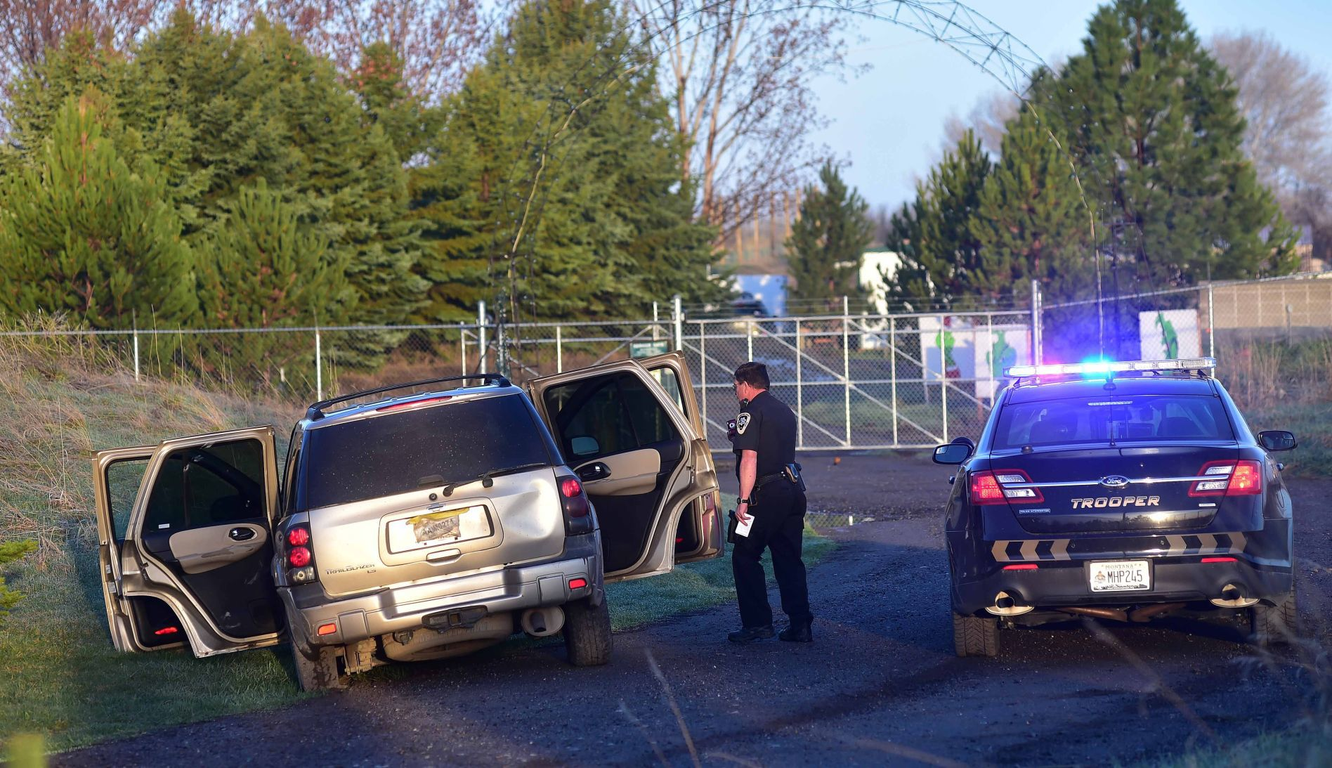 Tuesday morning police chase ends at ZooMontana | Billings Gazette