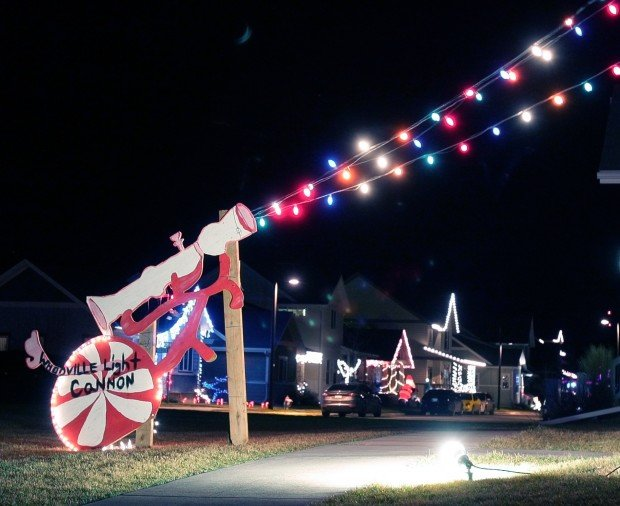 whoville light cannon local billingsgazettecom - Grinch Stole Christmas Lights
