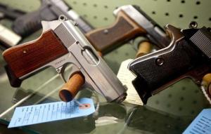 Judge overturns Evanston school concealed weapons policy