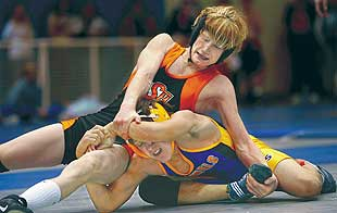 Senior's Sprenkle has a knack for winning big matches in thrilling fashion