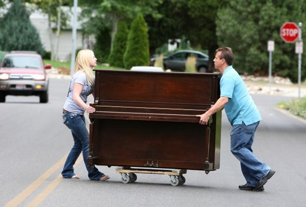 It makes people happy': Blind piano mover, technician finds his niche    Local News   billingsgazette.com