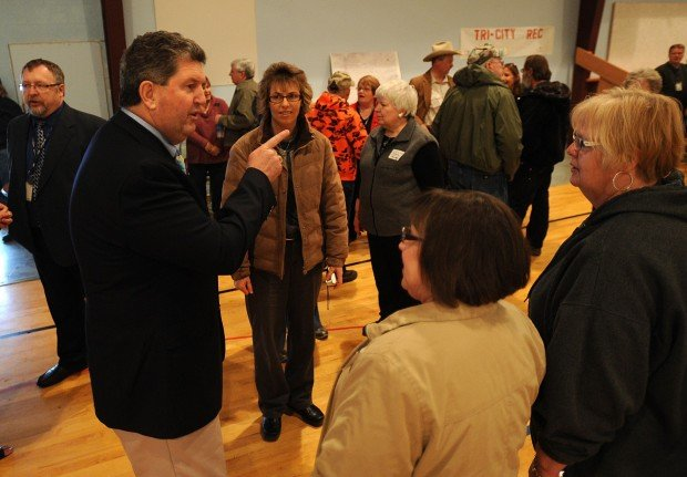 Donohoe talks to residents