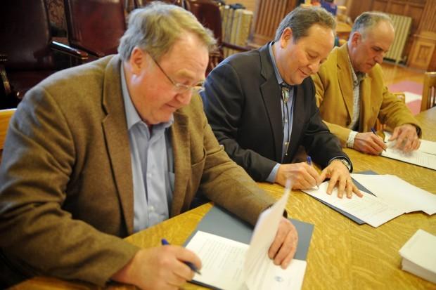 Lawmakers, Schweitzer budget deal