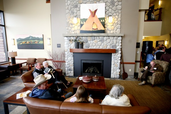 A stone fireplace in the lobby of the Beartooth Billings Clinic