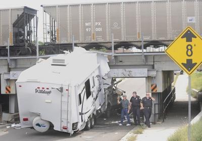 Ffifth wheel underpass accident