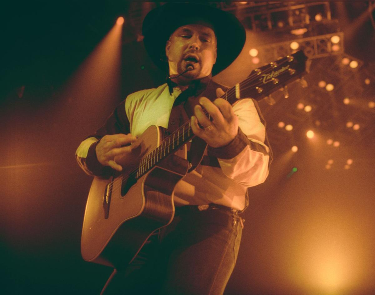 Garth Brooks plays MetraPark in 1998