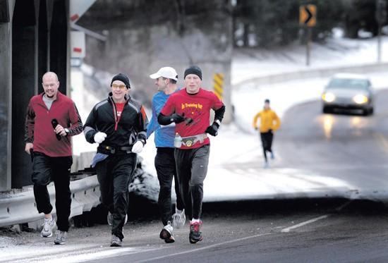 Boston-bound runners train for marathon despite winter weather