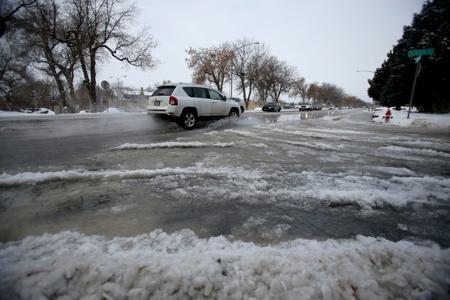 Water main break causes delays near Rimrock Road - Please turn images on