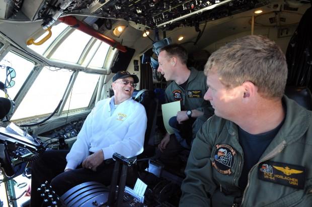 WWII Naval veteran Wade Smith enjoys a tour of a Navy C-130